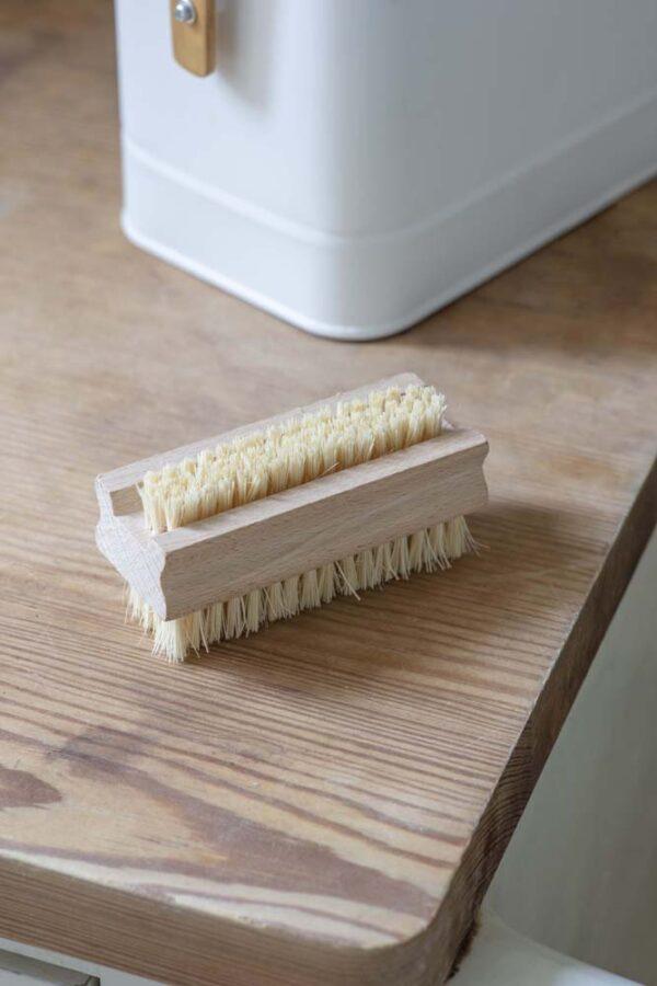 Beech Nail Brush